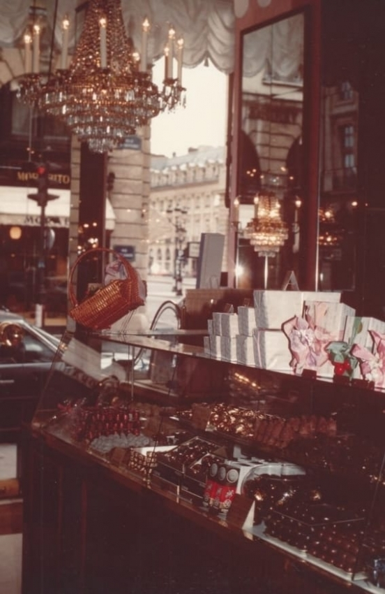 Godiva Chocolate - Paris