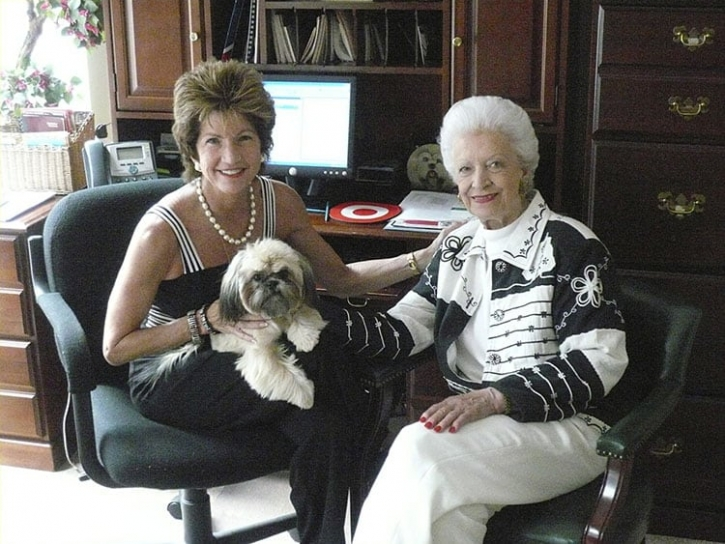 Gayle and Pearl Nelson